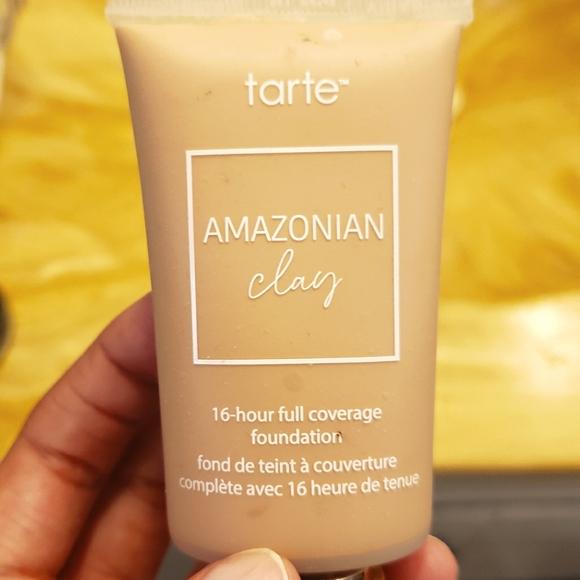 Tarte Amazonian Clay Foundation in Medium Beige